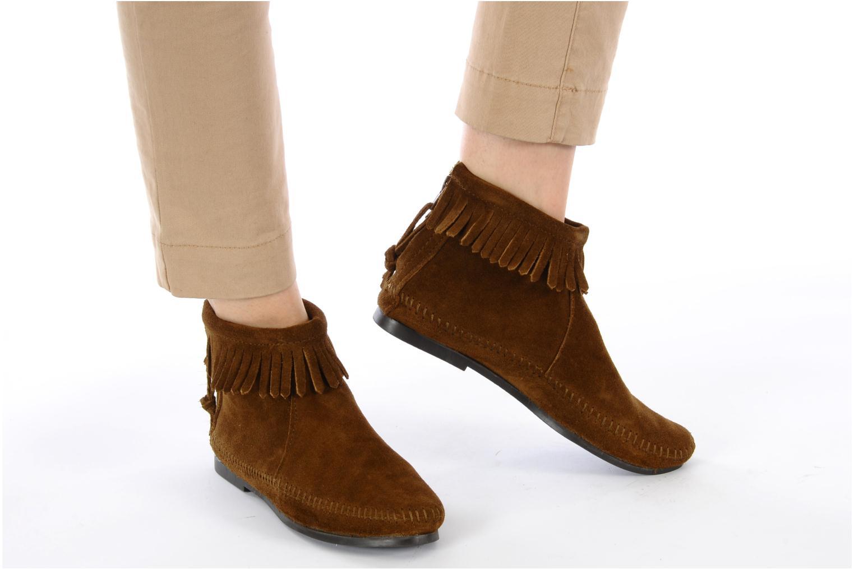 Stiefeletten & Boots Minnetonka BACK ZIPPER BT braun ansicht von unten / tasche getragen