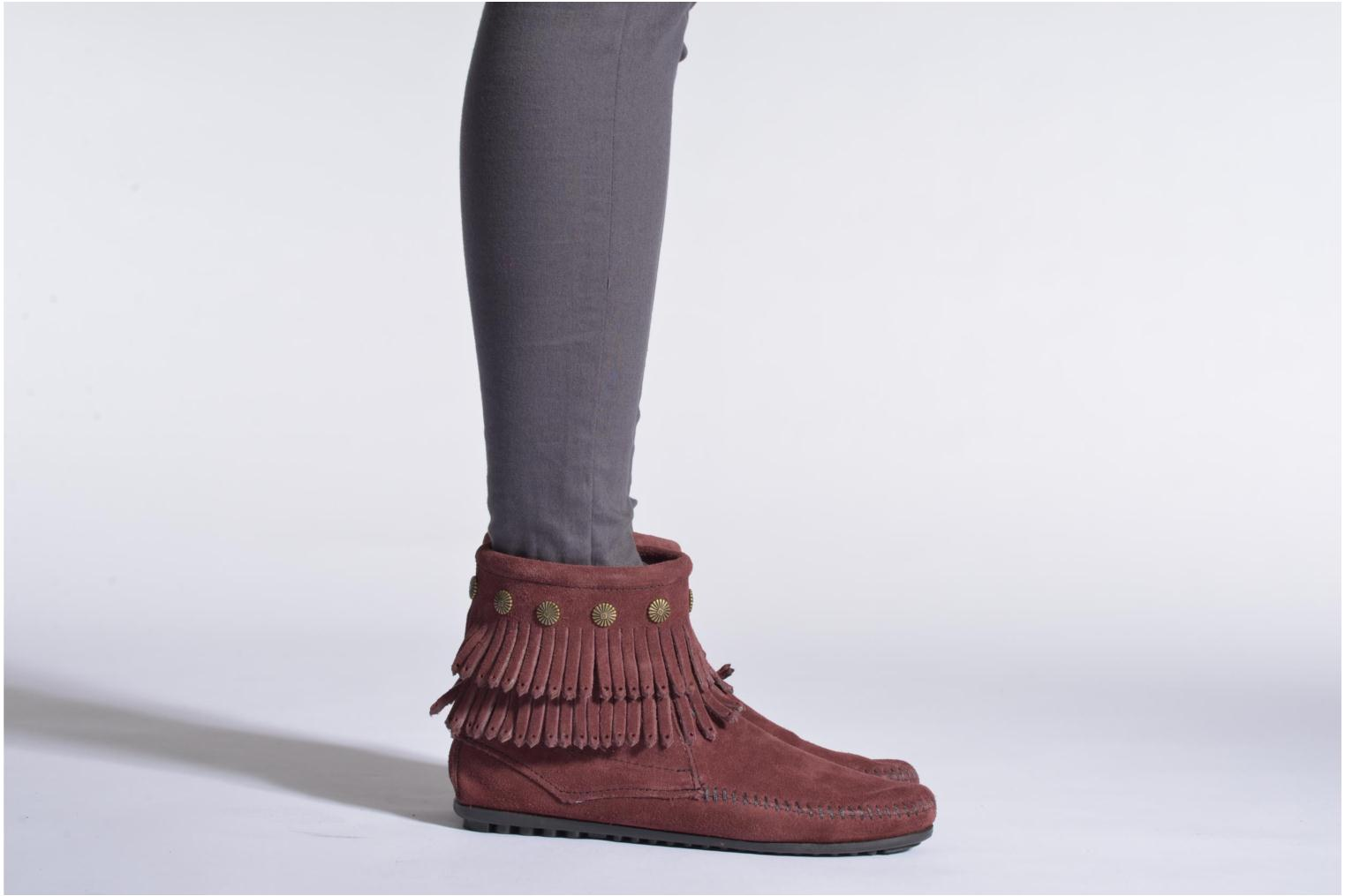 Ankle boots Minnetonka DOUBLE FRINGE BT Burgundy view from underneath / model view