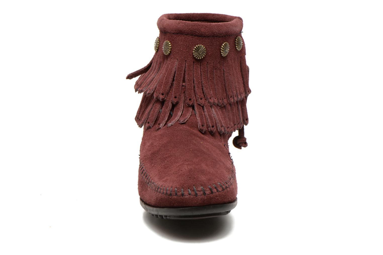 Bottines et boots Minnetonka DOUBLE FRINGE BT Bordeaux vue portées chaussures