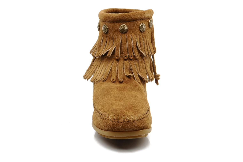 Ankelstøvler Minnetonka DOUBLE FRINGE BT Brun se skoene på