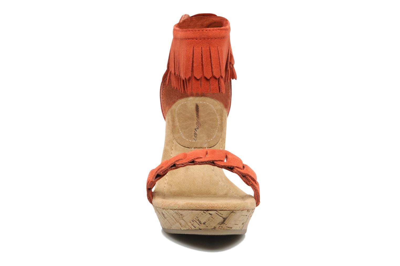Sandaler Minnetonka Nicki Röd bild av skorna på