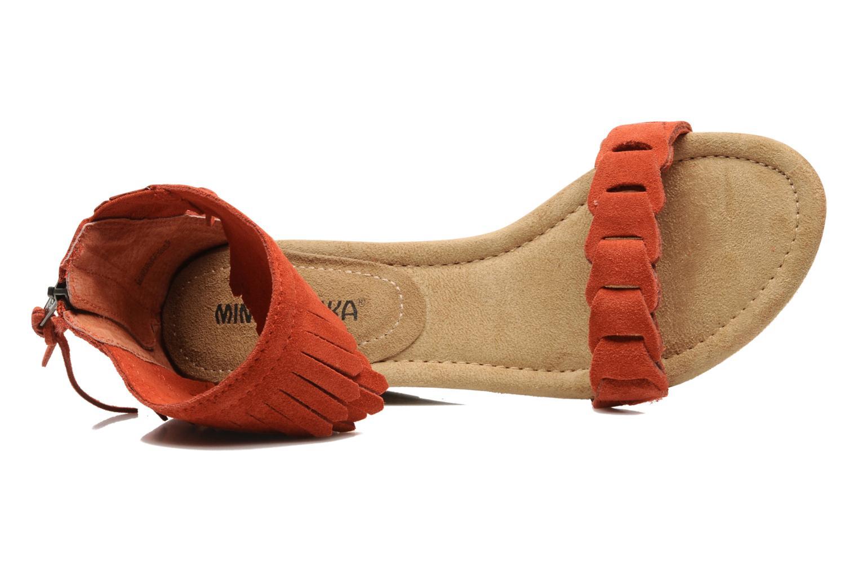 Sandaler Minnetonka Nicki Röd bild från vänster sidan