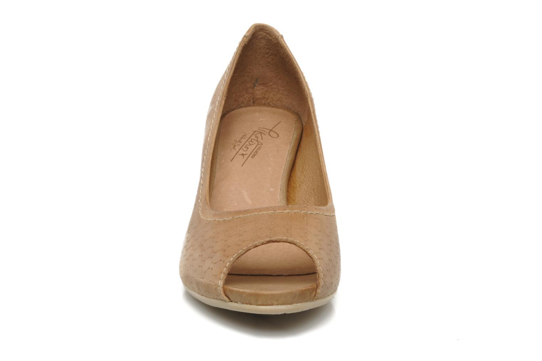 Escarpins Pikolinos Vic 8386 Beige vue portées chaussures