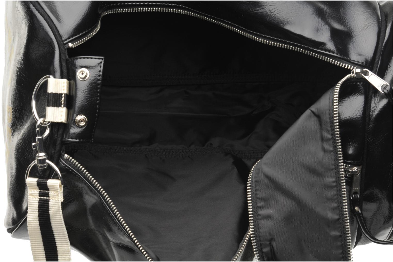Sacs de sport Fred Perry Classic Barrel Bag Noir vue derrière