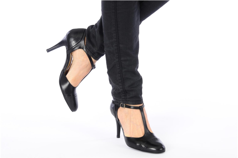 High heels Georgia Rose Tamar Black view from underneath / model view