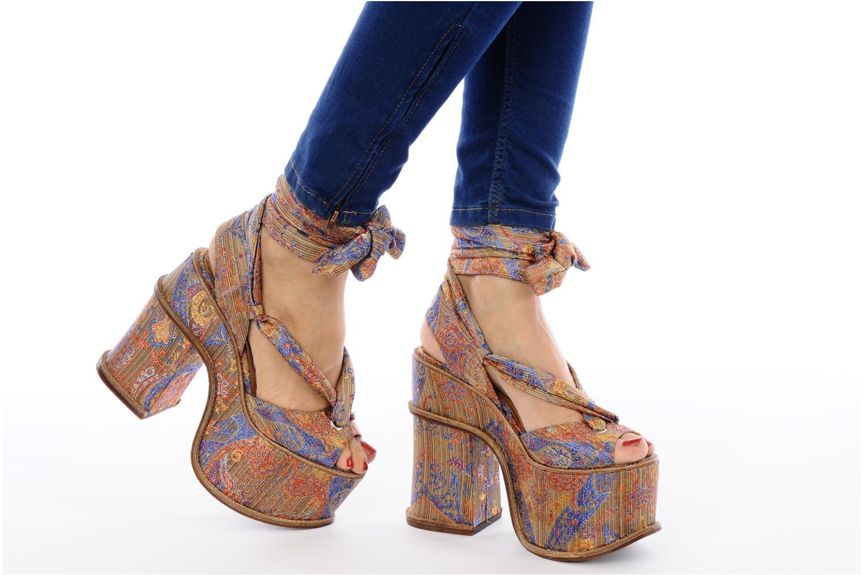 Sandales et nu-pieds Jeffrey Campbell LANDERS Or et bronze vue bas / vue portée sac