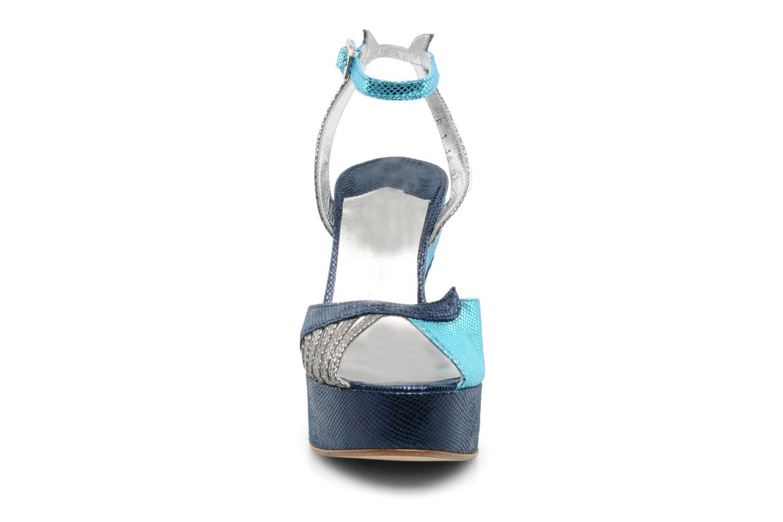 Sandales et nu-pieds Terry de Havilland MARGAUX LOW Bleu vue portées chaussures