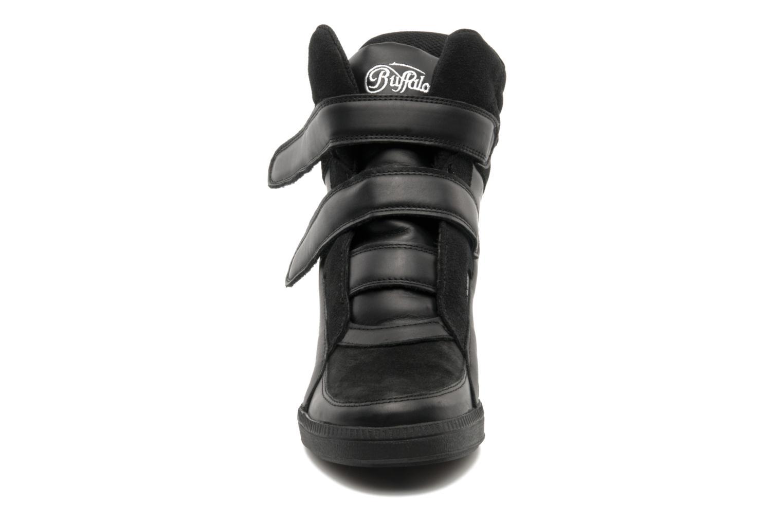 Sneaker Buffalo Saana schwarz schuhe getragen