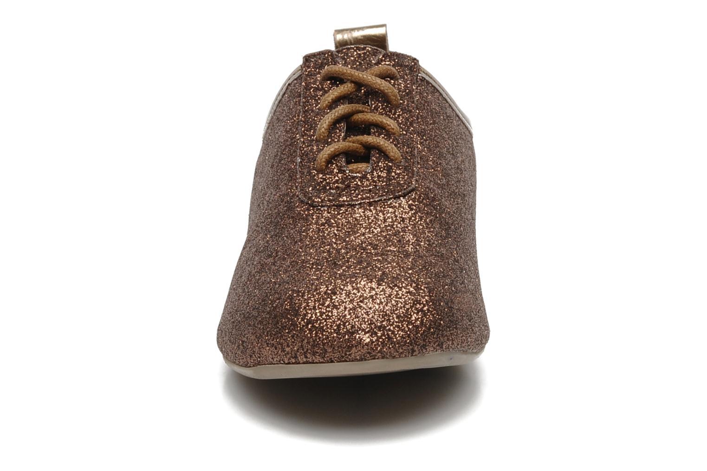 Zapatos con cordones Mellow Yellow Mini Moonwolk Oro y bronce vista del modelo