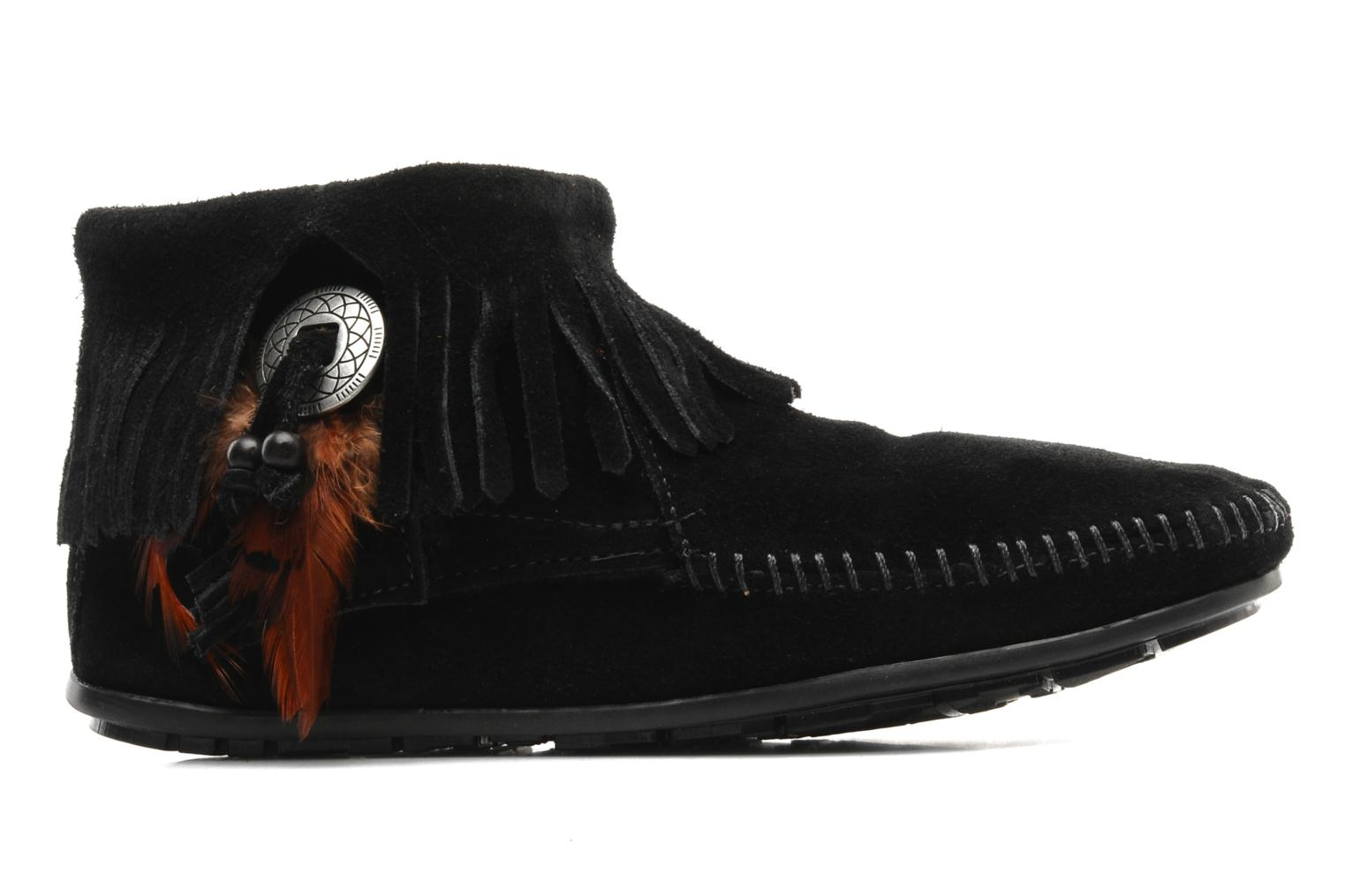 Ankle boots Minnetonka CONCHOFEATHER BT Black back view