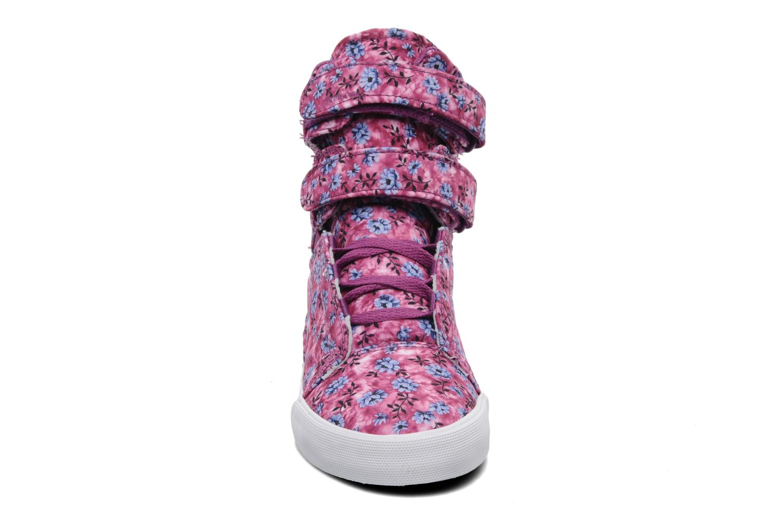 Sneaker Supra Society w rosa schuhe getragen