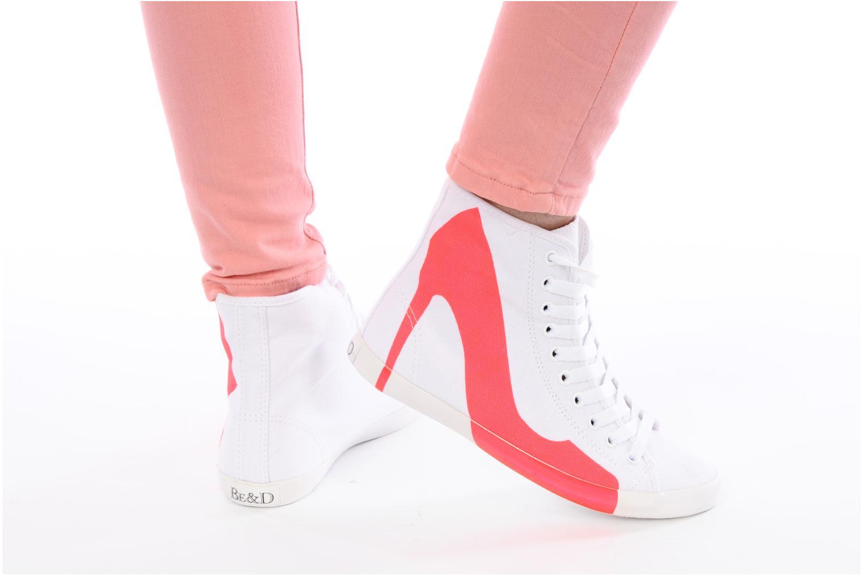 Sneaker Be&D Big City rosa ansicht von unten / tasche getragen