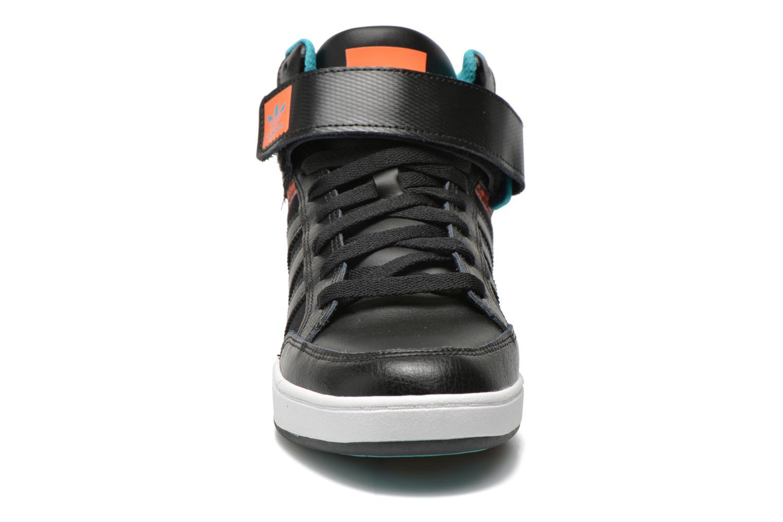 Baskets Adidas Originals Varial Mid Noir vue portées chaussures