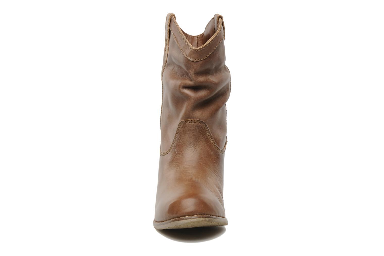 Bottines et boots Coolway PEGASISUN Marron vue portées chaussures