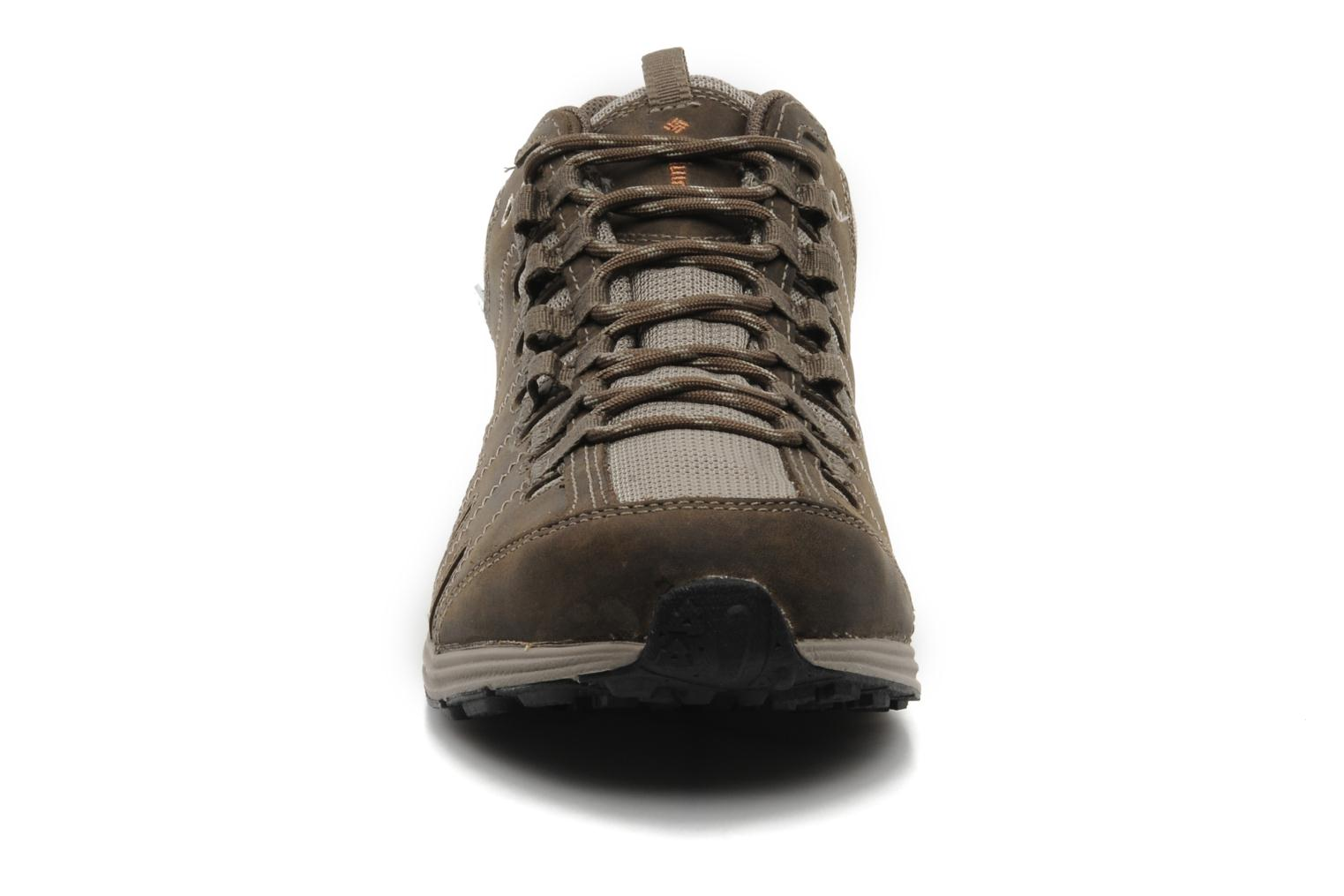 Sneakers Columbia Master Fly Leather M Bruin model