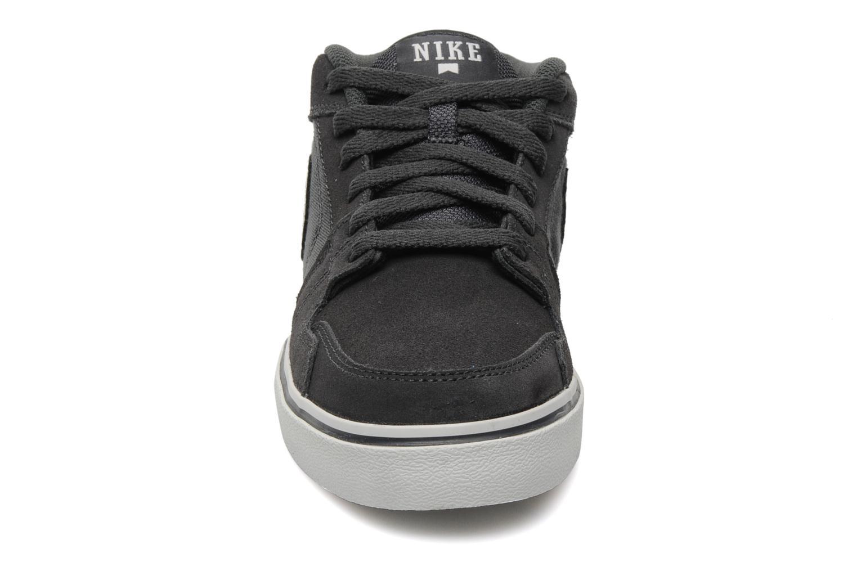 Chaussures de sport Nike Nike Ruckus Mid Lr Gris vue portées chaussures