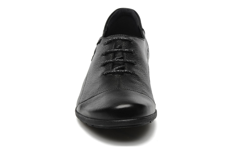 Snøresko Mephisto Gazina Sort se skoene på