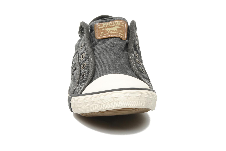 Baskets Mustang shoes Marco Gris vue portées chaussures