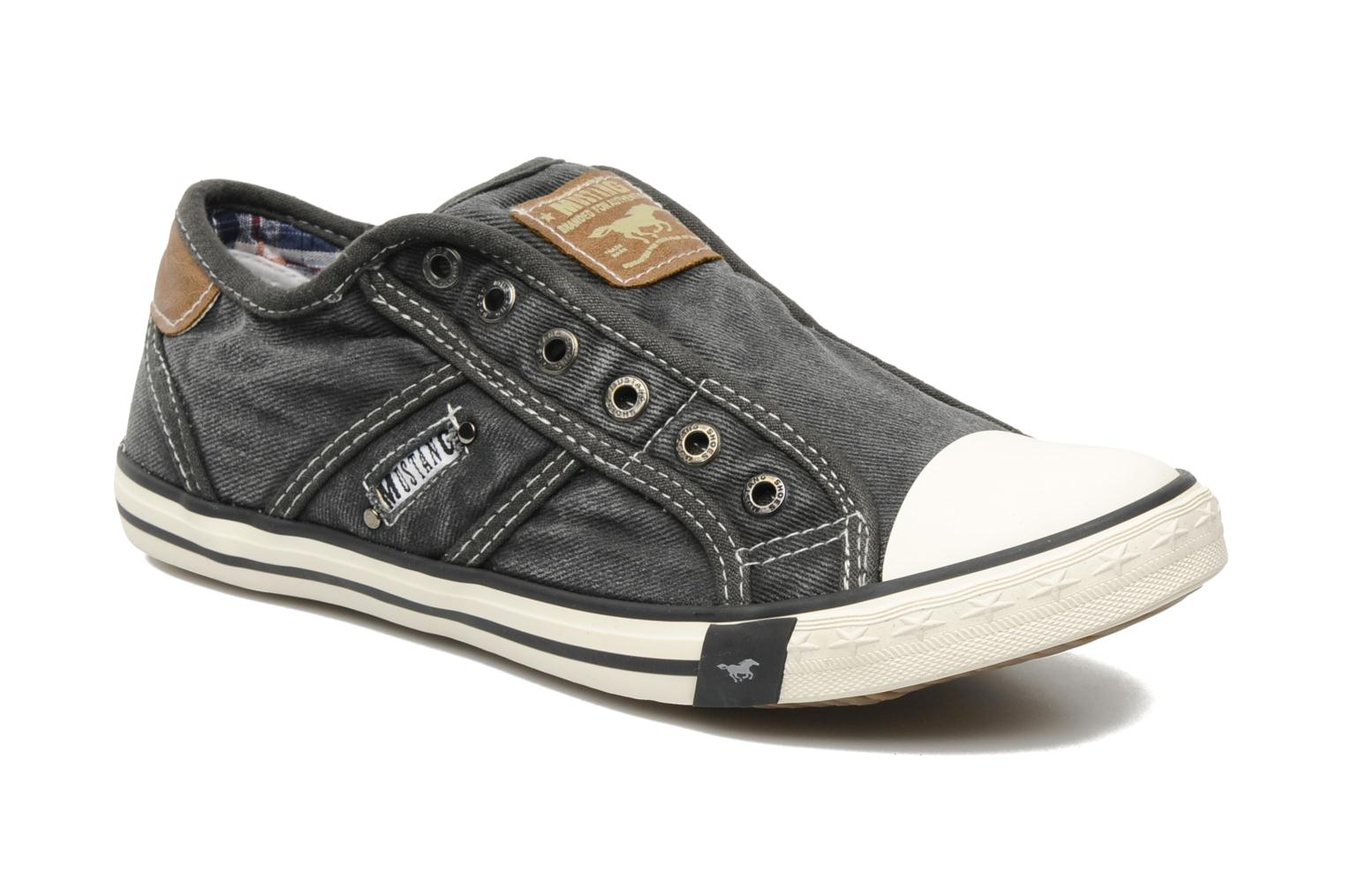 Mustang shoes Marco (Grey) - Trainers chez Sarenza (115362)