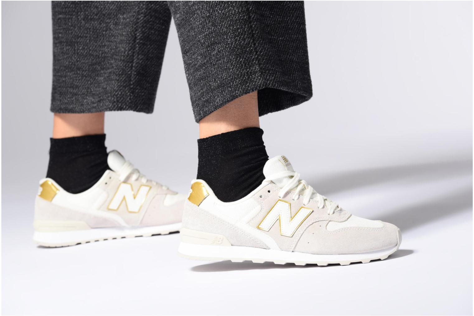Trainers New Balance WR996 White view from underneath / model view