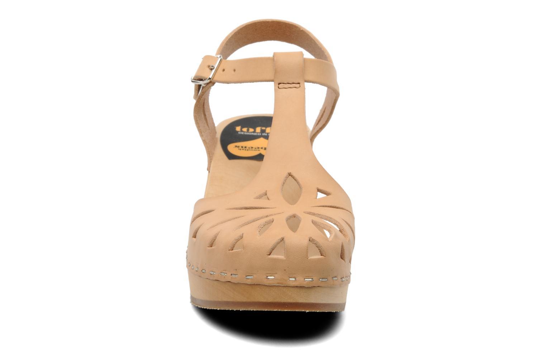 Sandales et nu-pieds Swedish Hasbeens Lacy Sandal Beige vue portées chaussures