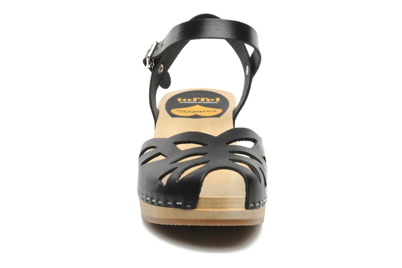 Sandali e scarpe aperte Swedish Hasbeens Ornament clog Nero modello indossato