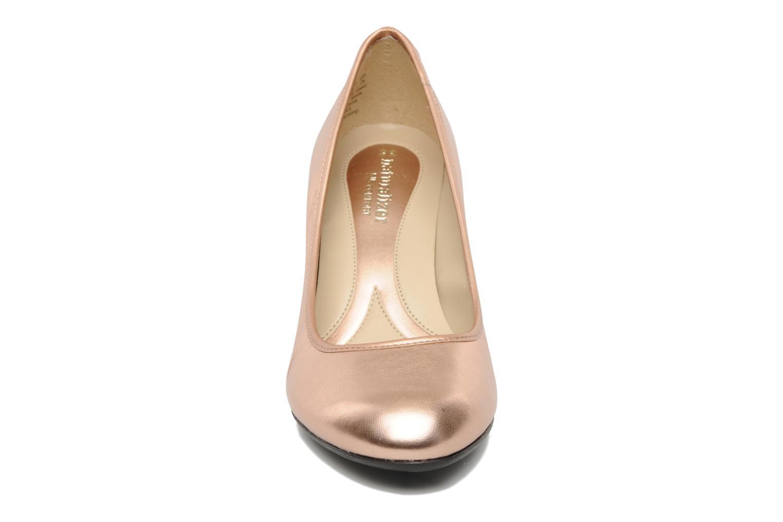 Escarpins Naturalizer BRAYLEE Rose vue portées chaussures