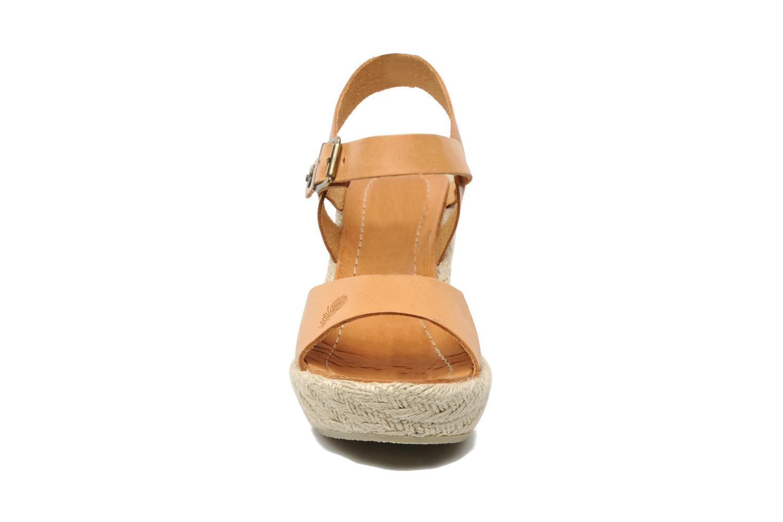 Sandales et nu-pieds Quiksilver Georgiana Marron vue portées chaussures