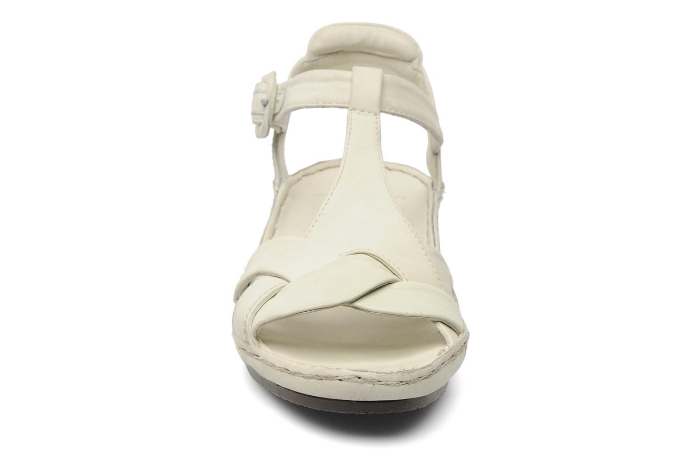 Sandales et nu-pieds Karston Iris Blanc vue portées chaussures