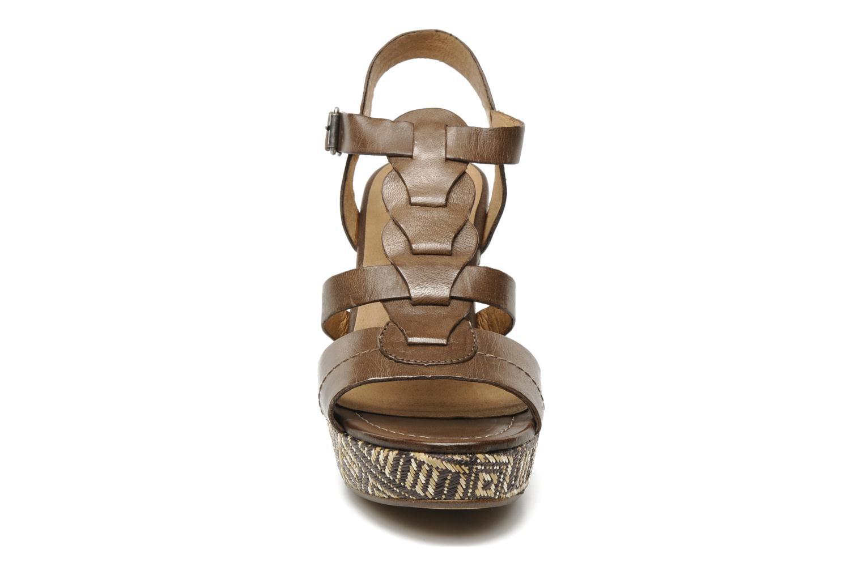 Sandales et nu-pieds Karston Lider Marron vue portées chaussures