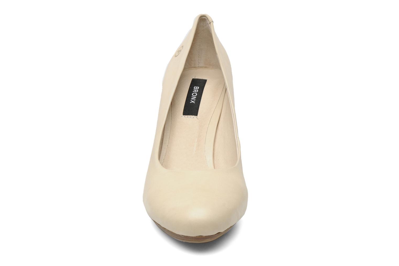 Escarpins Bronx BX405 Beige vue portées chaussures