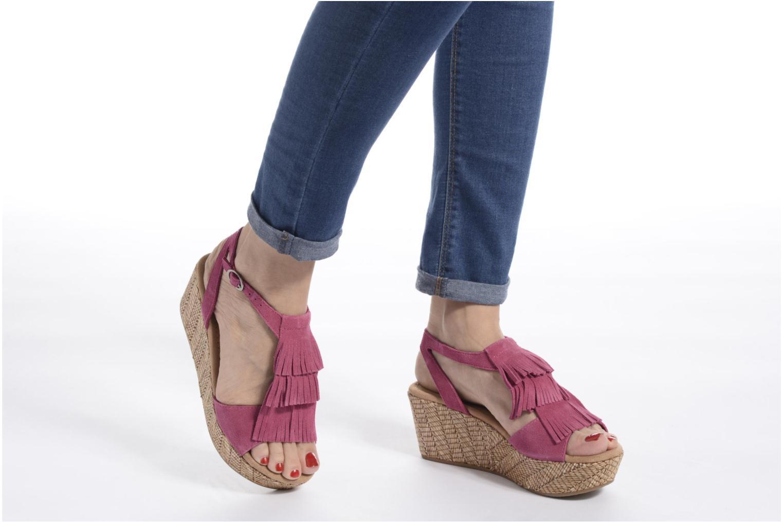 Sandales et nu-pieds Minnetonka Central Marron vue bas / vue portée sac