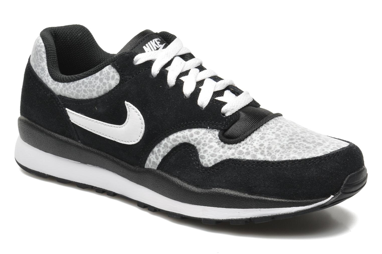 Baskets Nike Air Safari Le Noir vue détail/paire