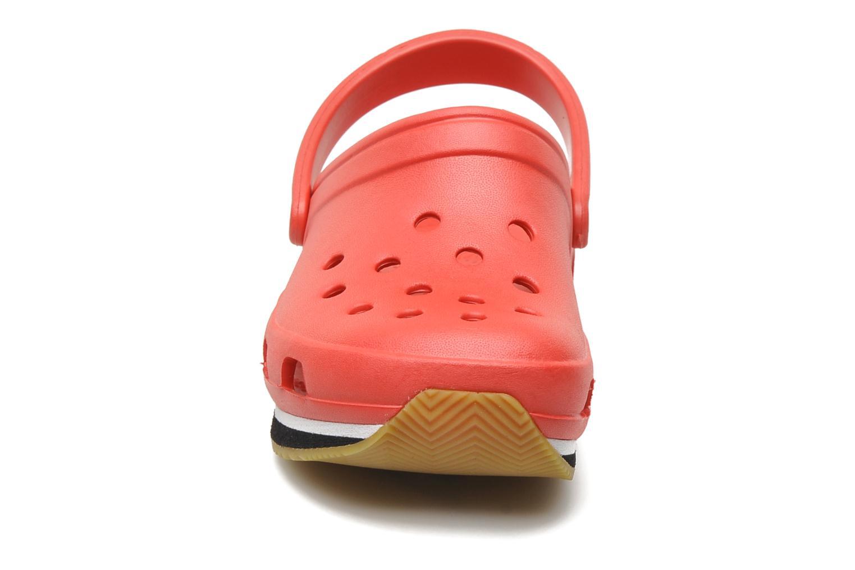 Sandales et nu-pieds Crocs Cros Retro Clog Kids Rouge vue portées chaussures
