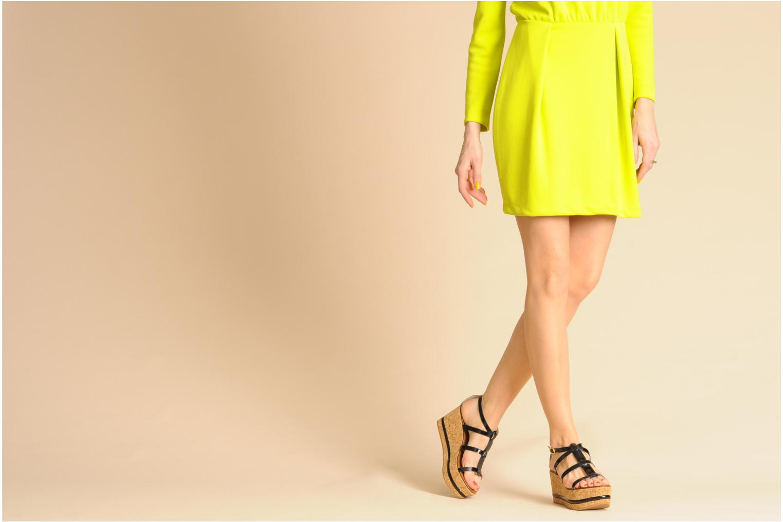 Sandales et nu-pieds Tapeet Tipia Noir vue bas / vue portée sac