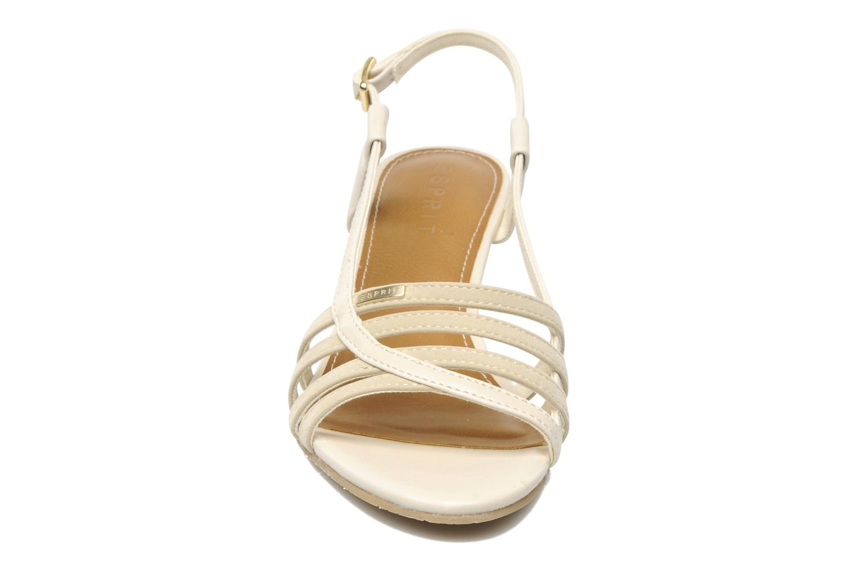 Sandali e scarpe aperte Esprit Rosia Sling Beige modello indossato