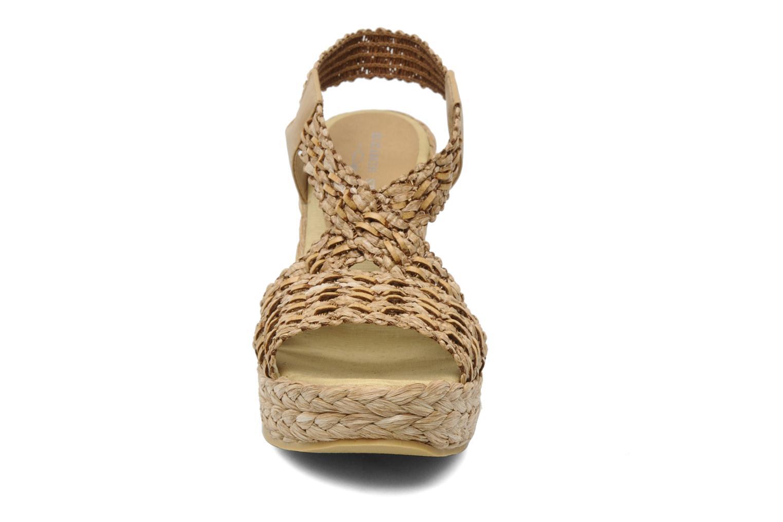 Sandales et nu-pieds Elizabeth Stuart Fuxy 310 Beige vue portées chaussures