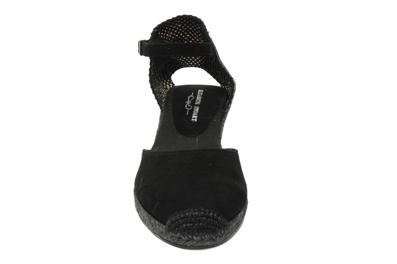 Sandales et nu-pieds Elizabeth Stuart Volga 630 Noir vue portées chaussures