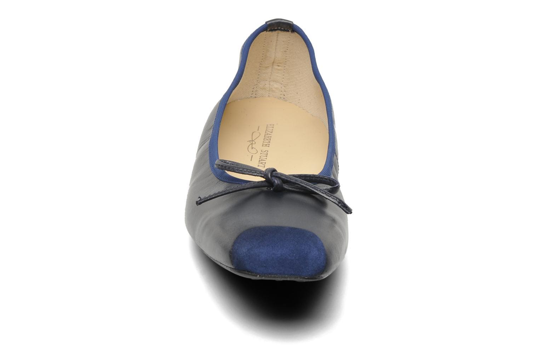 Ballerines Elizabeth Stuart Lacq 304 Bleu vue portées chaussures