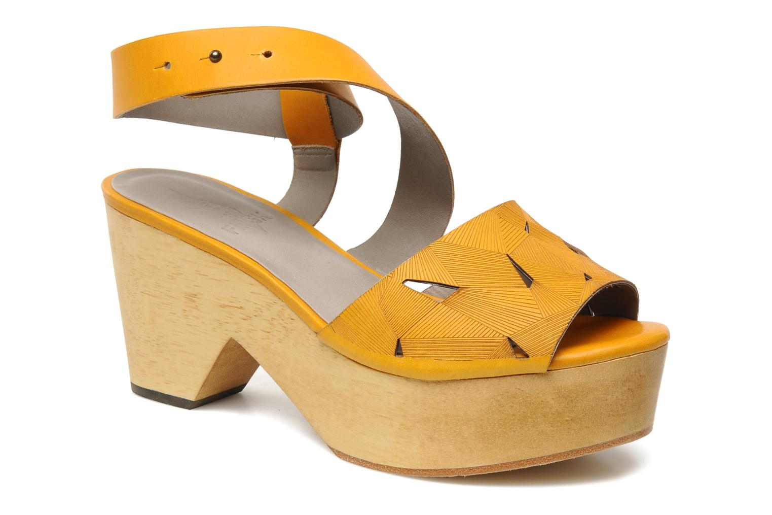 Sandals Skin by Finsk TURINA Yellow detailed view/ Pair view