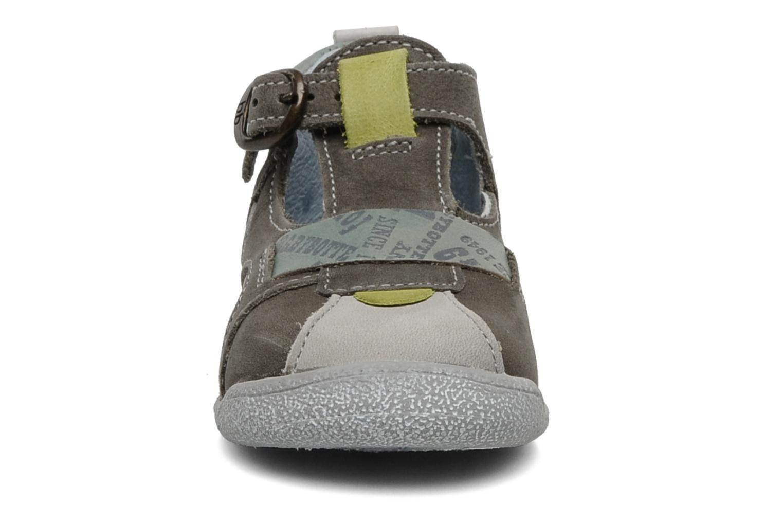 Bottines d'été Babybotte Pitt Gris vue portées chaussures