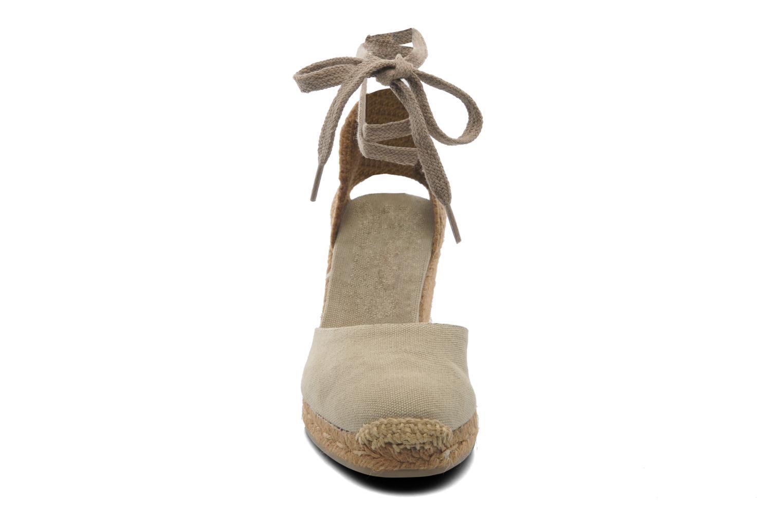 Sandales et nu-pieds Castaner Carina8 Beige vue portées chaussures