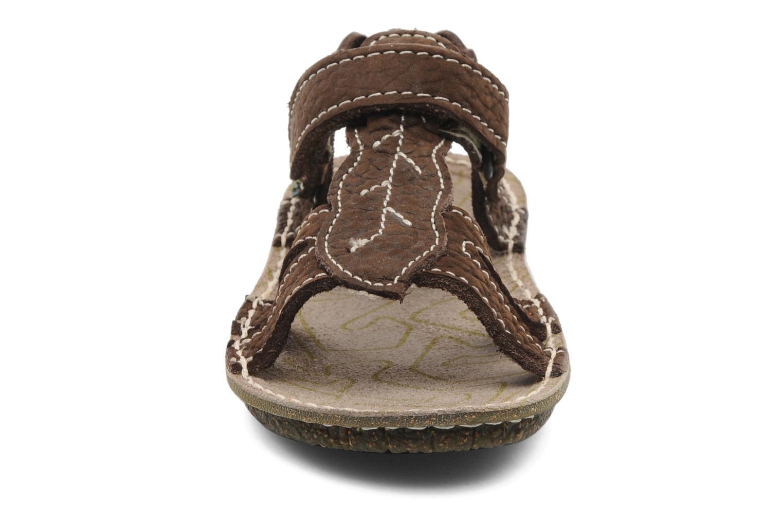 Sandales et nu-pieds El Naturalista Kiri 254 Marron vue portées chaussures