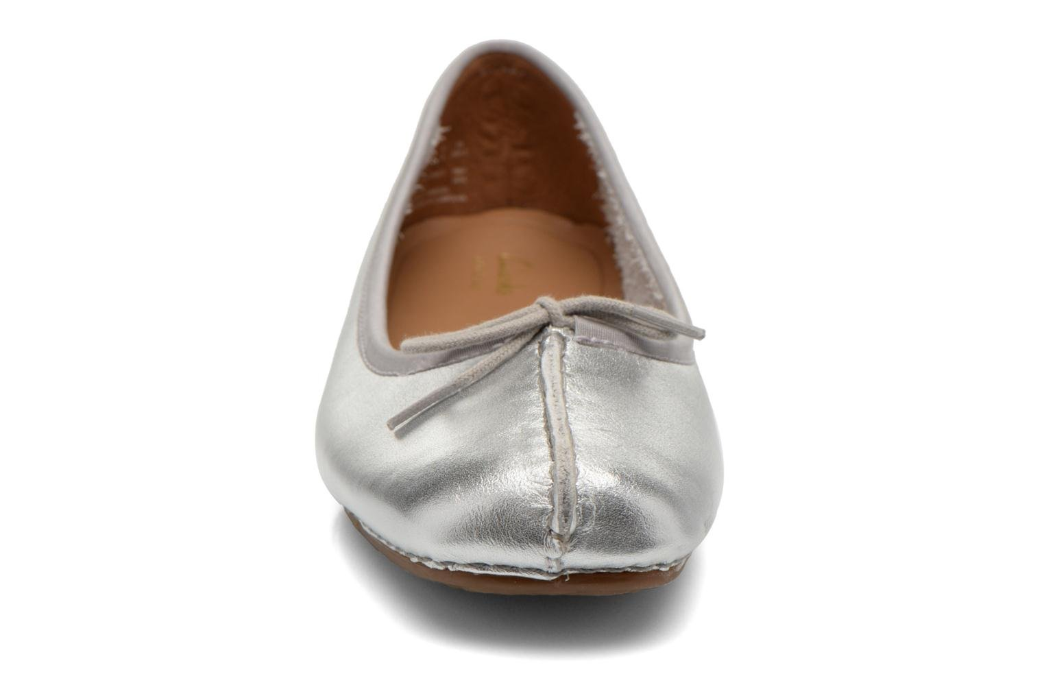 Ballet pumps Clarks Unstructured Freckle Ice Silver model view