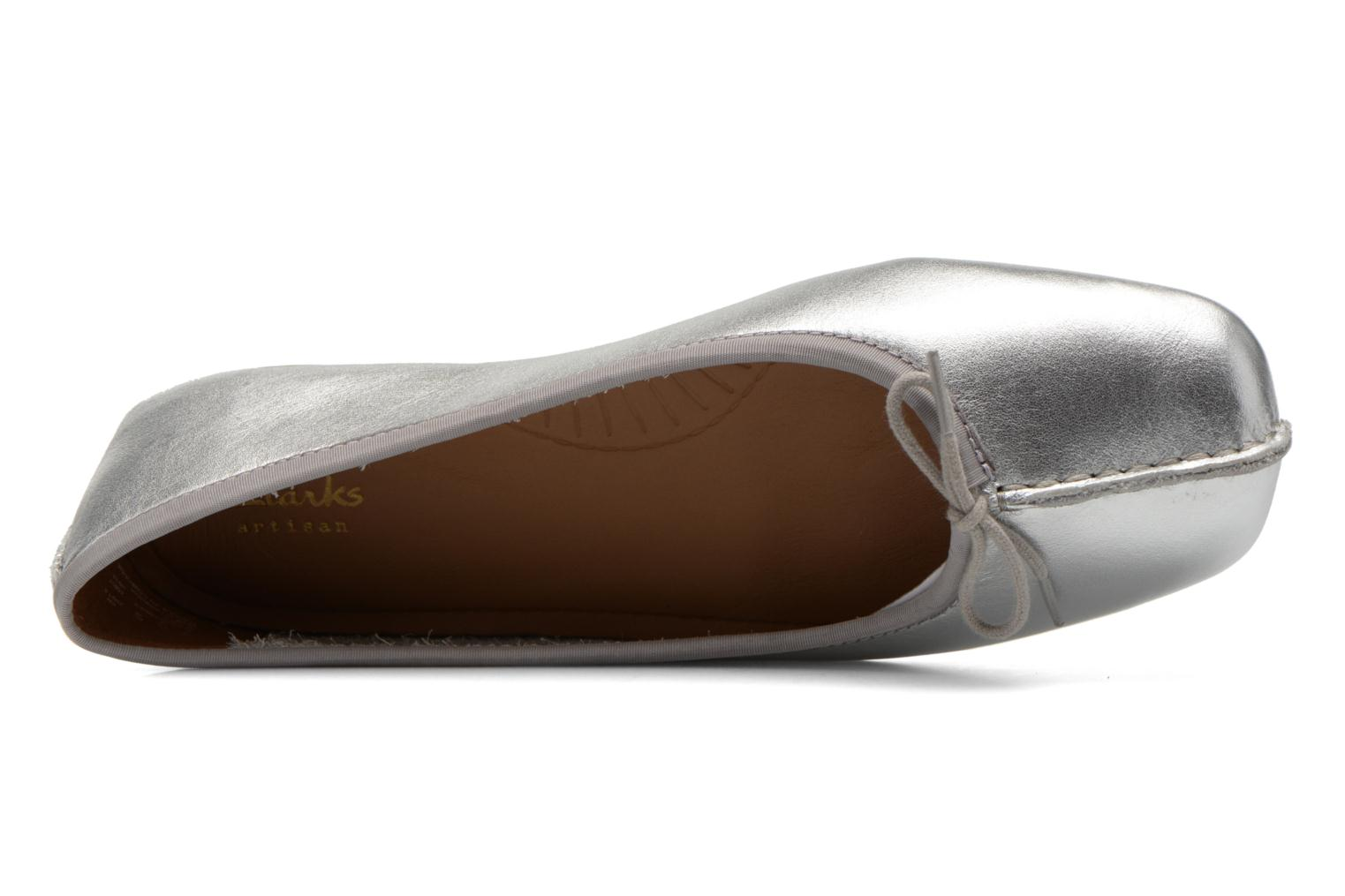 Ballerinas Clarks Unstructured Freckle Ice silber ansicht von links