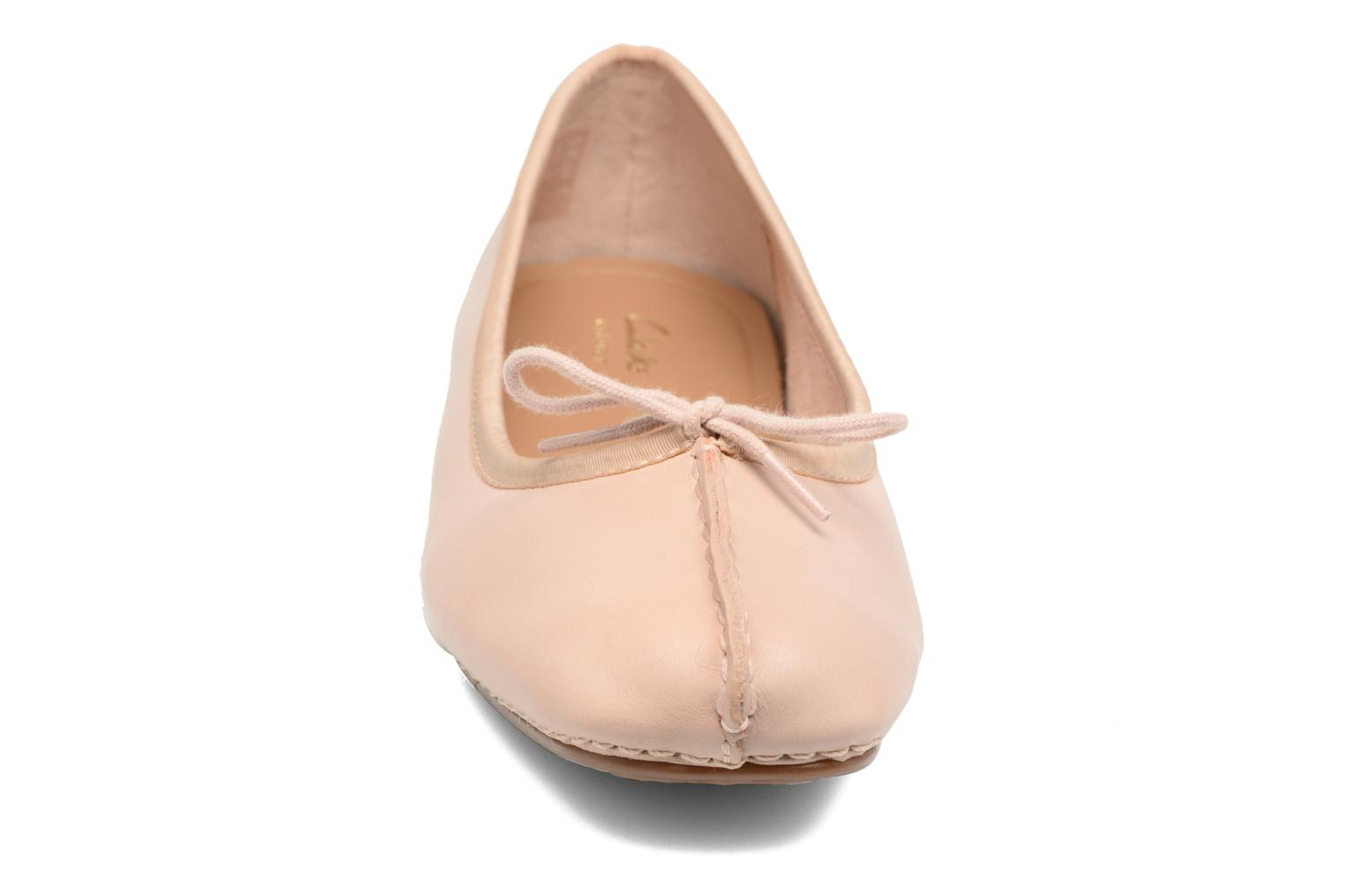 Ballerines Clarks Unstructured Freckle Ice Rose vue portées chaussures
