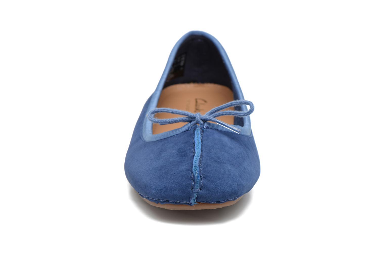 Ballerinas Clarks Unstructured Freckle Ice blau schuhe getragen