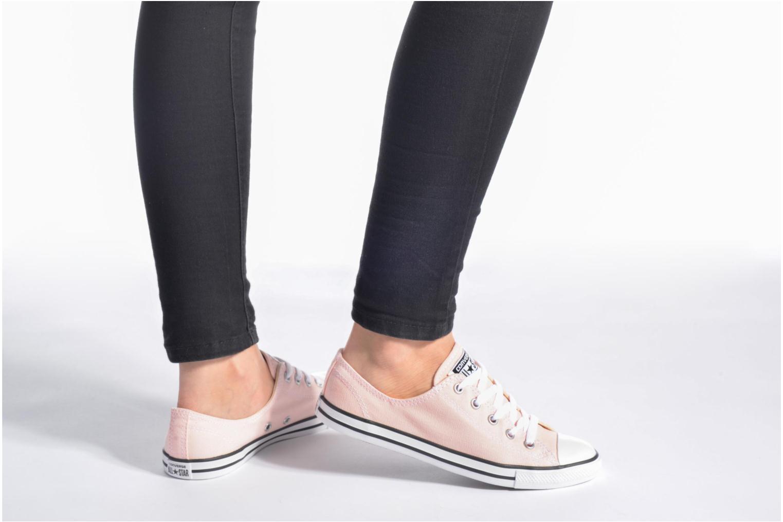Sneaker Converse All Star Dainty Canvas Ox W grau ansicht von unten / tasche getragen