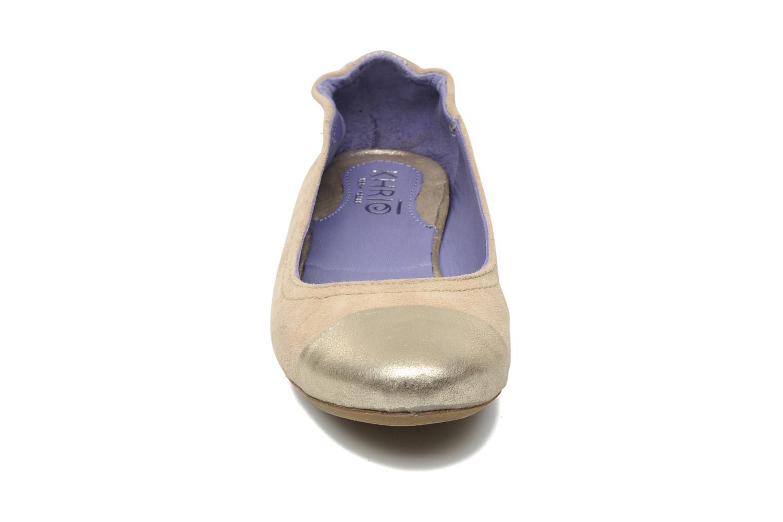 Ballerines Khrio Telle Beige vue portées chaussures
