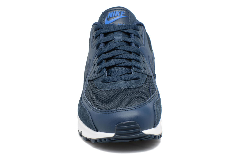Baskets Nike Nike Air Max 90 Essential Bleu vue portées chaussures